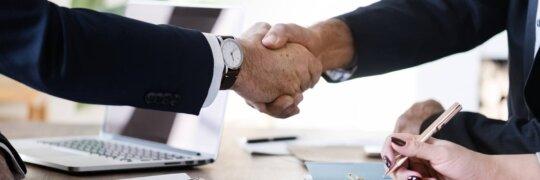 Koalitionsvertrag unterschreiben