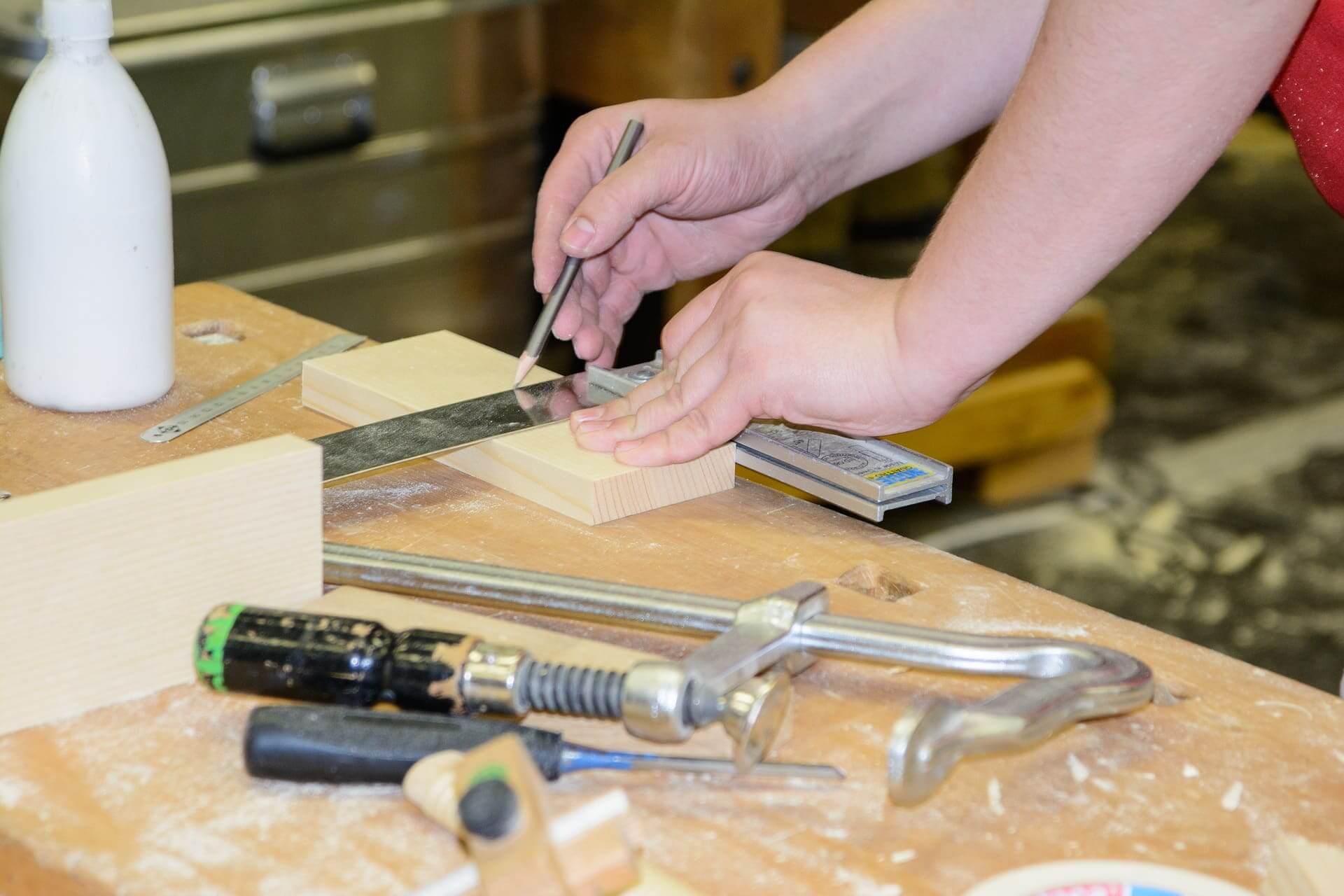 Handwerkskammer verbessert Ausbildungsqualität im holzverarbeitenden Handwerk