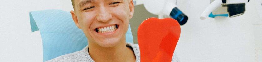 Eine professionelle Zahnreinigung beim Zahnarzt